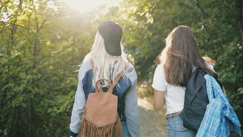 TRAVELING WITH A FRIEND? SPLIT UP THE COST!