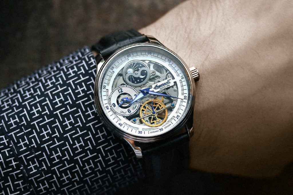 Automatic /Mechanical is best for watch aficionados