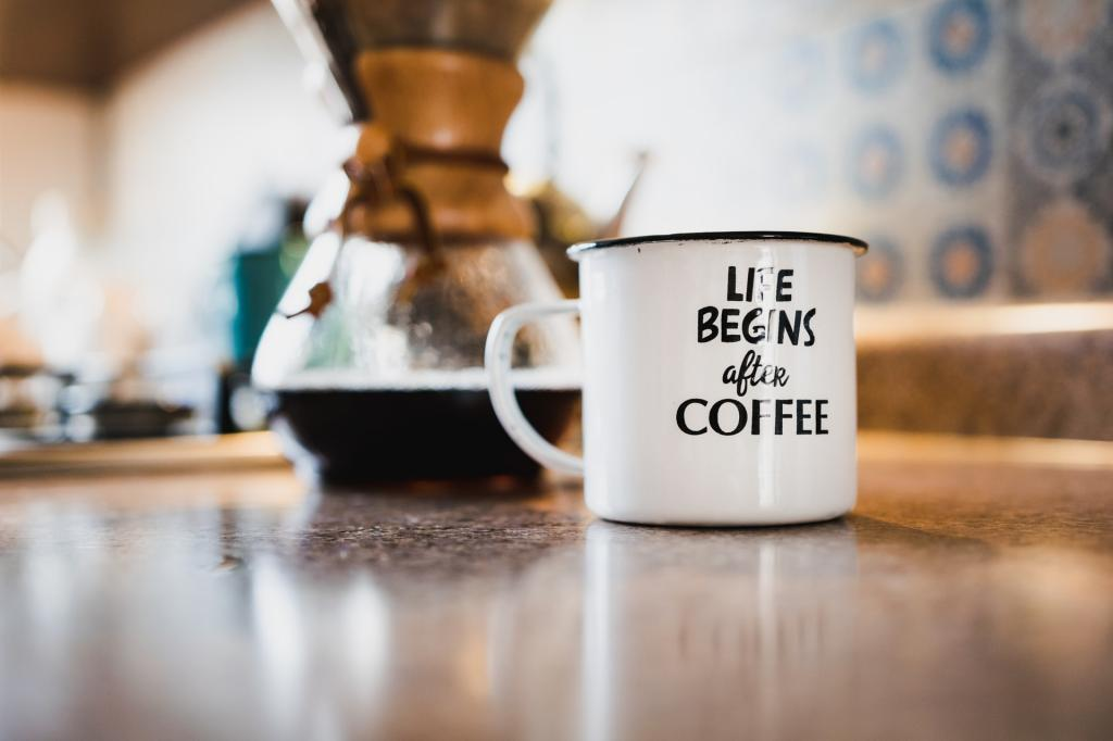 The (in)direct link between coffee and productivity