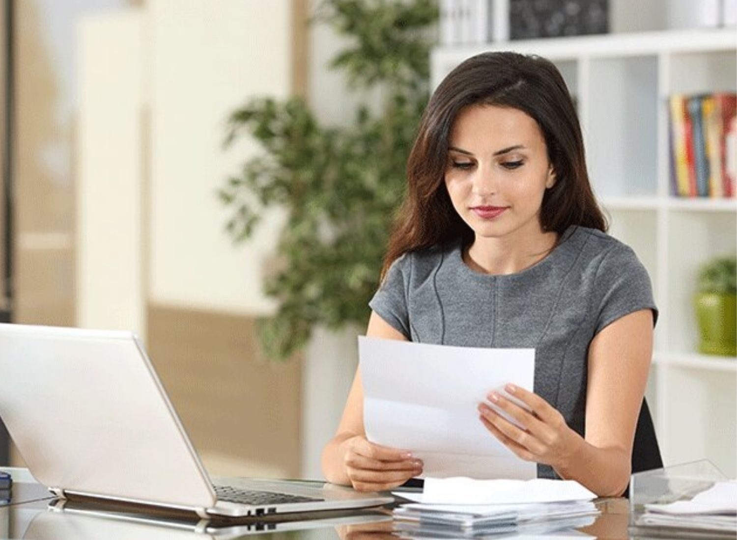 What Benefits An Aspirant Will Get By Working As An IBPS Clerk?