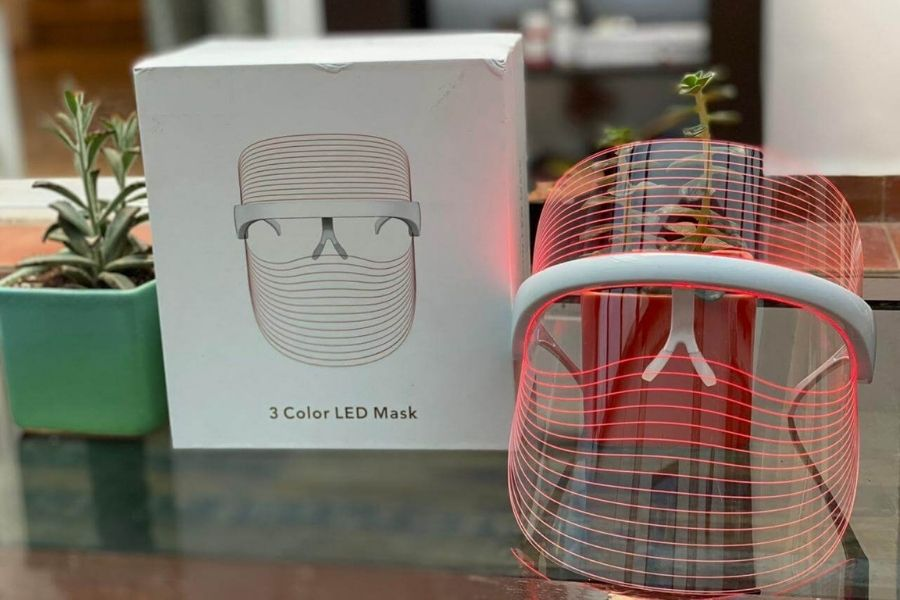 Earthy Selections 3 color LED Phototherapy mask