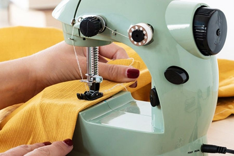 Advantages of having a sewing machine