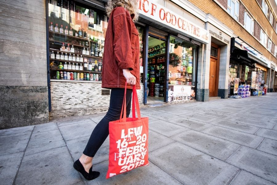 Benefits of Using Tote Bags Instead of Plastic