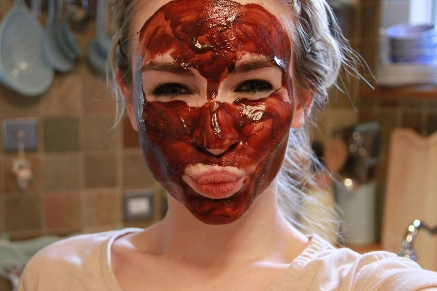 red wine mask